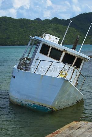 boat sinking in the sea providencia