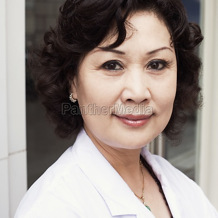 close up of a female doctor