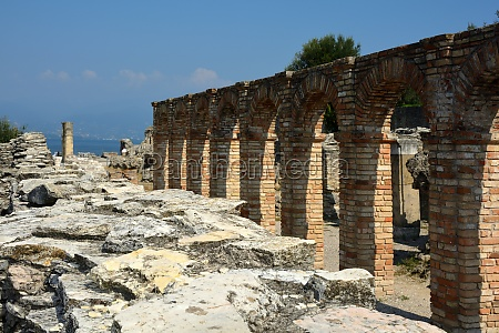 grottoes of catullus in sirmione