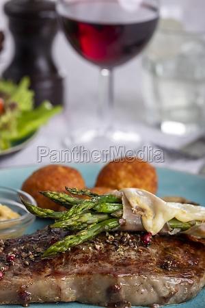 asparagus on a steak