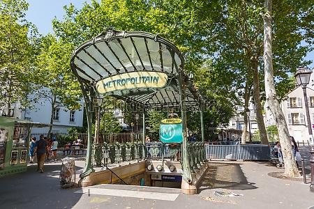 metro paris metropolitain entrance station abbesses