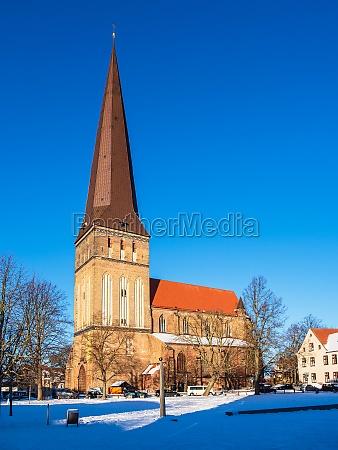 view to the church petrikirche in