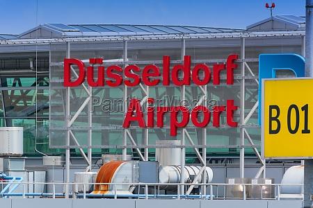 logo of duesseldorf airport
