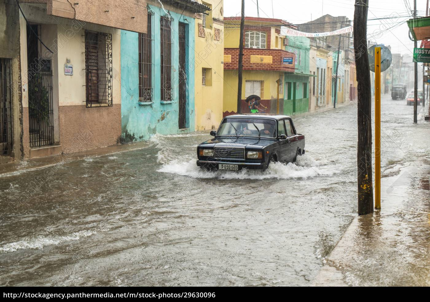 street, flooded, by, rainwater - 29630096
