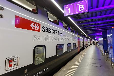 intercity double decker train at flughafen