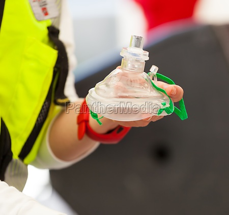 cpr select focus hand and mask