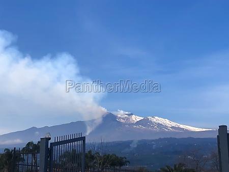 etna volcano in eruption 5