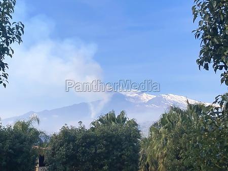 etna volcano in eruption 4