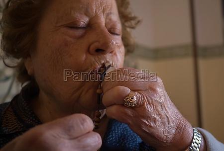 elderly woman 70 80 years old