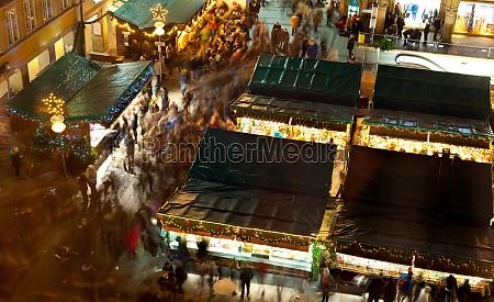 the christmas market on the marienplatz