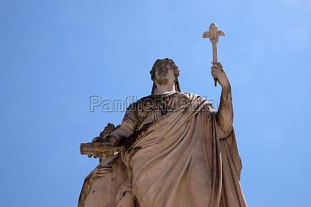 statue of maria louisa of spain