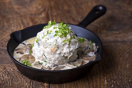 bread dumpling with sauce