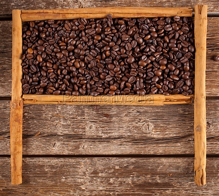frame with coffee beans and ceylon