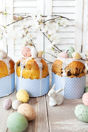 little panettone cakes