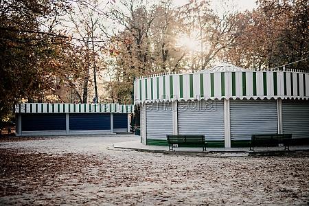shuttered kiosks in park during 2020