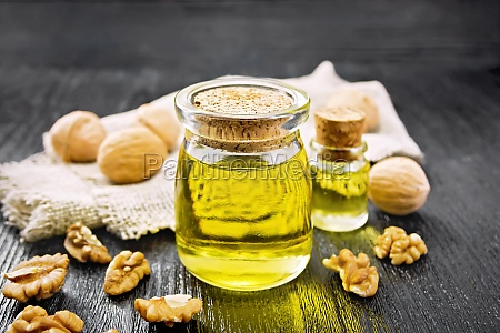 oil walnut in jar with burlap