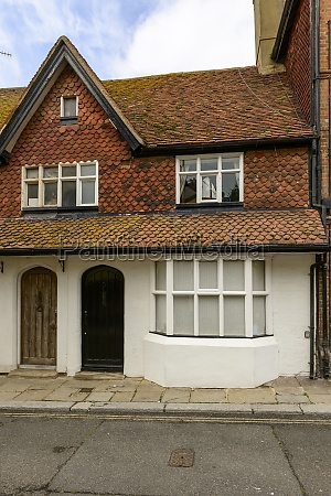 shingle roof cottage at hastings