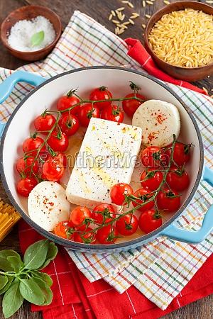 feta and tomatoes pasta sauce