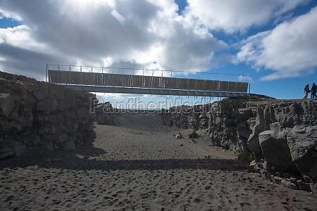 bridge between continents bottom view hafnir
