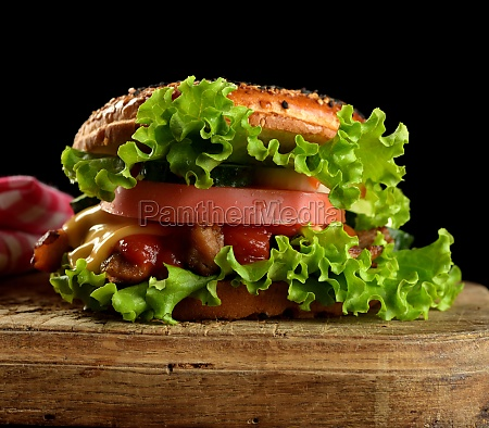 cheeseburger with minced meat green lettuce