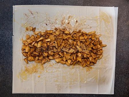 apple strudel making of preparing and