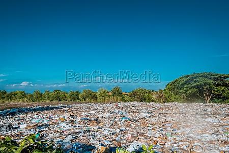 trash keeper land garbage landfill environmental