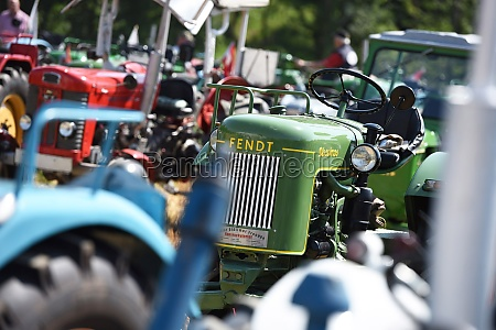 oldtimer traktor treffen in aurach bezirk