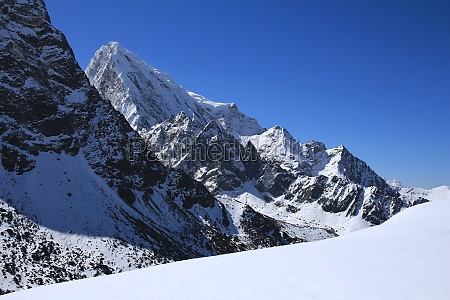 cholatse high mountain in the everest