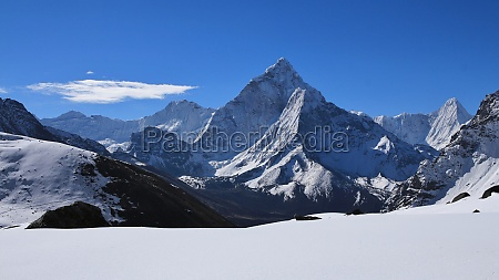 ama dablam view from dzonghla