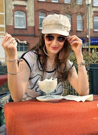 beauty woman eyting sundae