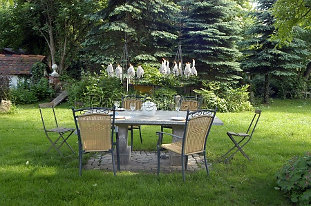 chairs for sitting in the garden