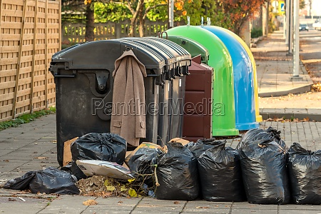 garbage collection in the city works