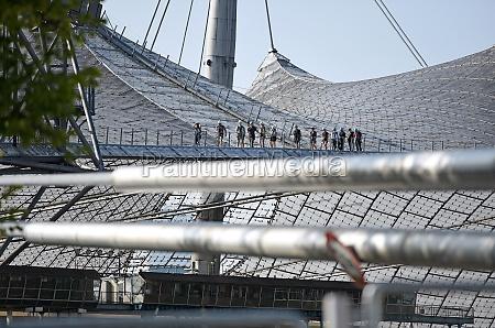 besichtigungstour auf dem dach des olympiastadions