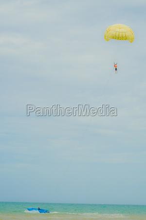 parasailing kingdom of thailand sputtering yer