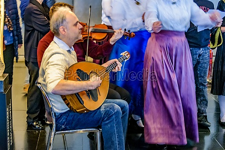 group playing traditional greek music