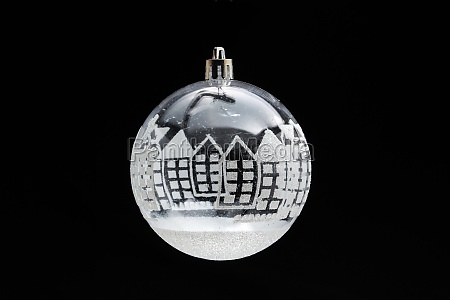 balls on the christmas tree