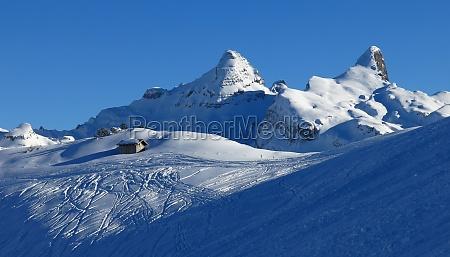winter scene in the stoos ski