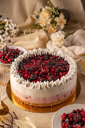forest berry mousse cake