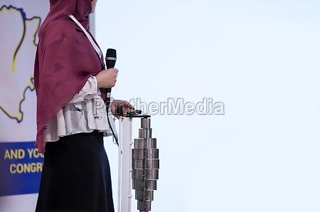 muslim businesswoman giving presentations