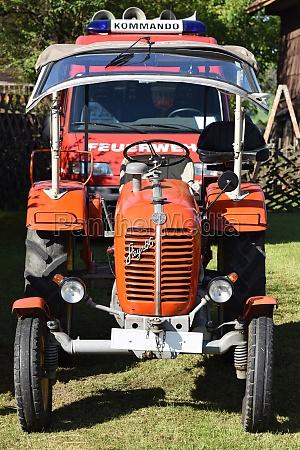 oldtimer traktor treffen in neukirchen voecklabruck