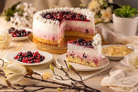 homemade berry cake
