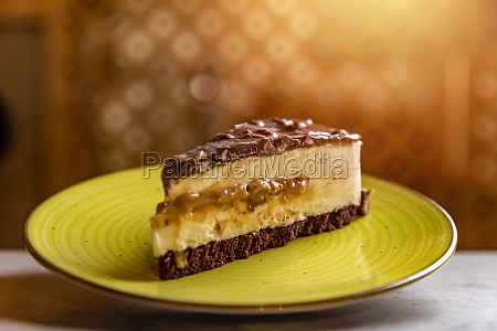 caramel and chocolate cheesecake