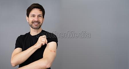 corona vaccine injection