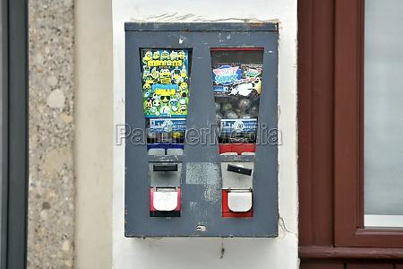 alter kaugummi automat in steyr OEsterreich