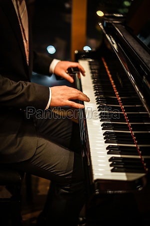 people who play the piano