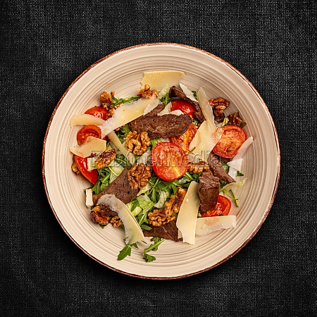 grilled beef steak salad