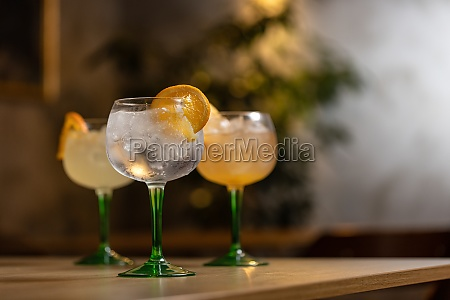 alcoholic drink gin tonic cocktail