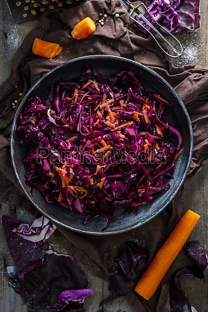 red cabbage coleslaw with carrots