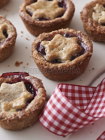 linzer tartlet with cranberries