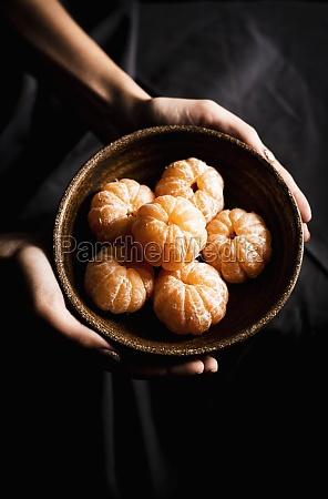 serving tangerines